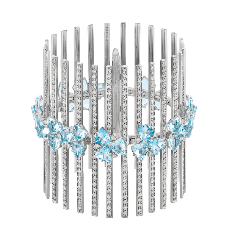 18 karat mirage white gold bracelet with diamonds and aquamarine