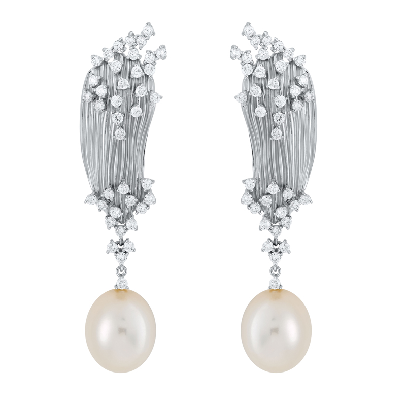 18 karat bahia white gold earring with diamonds and pearl